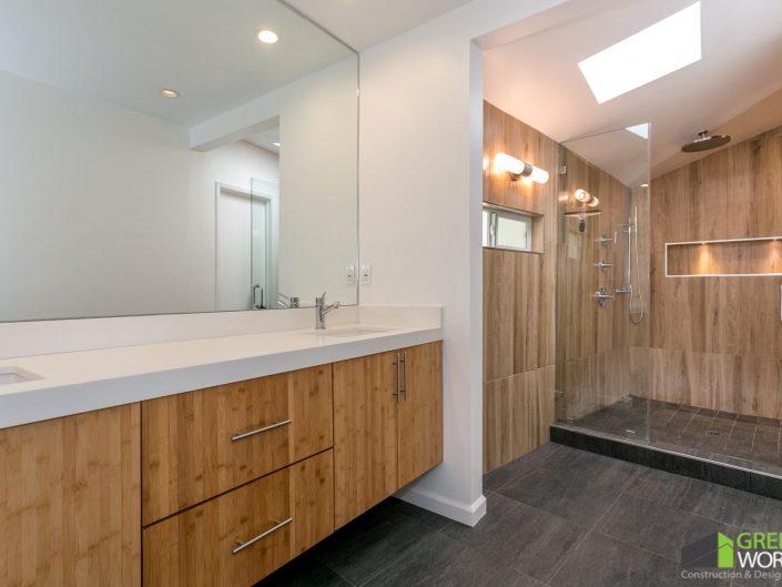 LEDGIN RESIDENCE-Master Bathroom