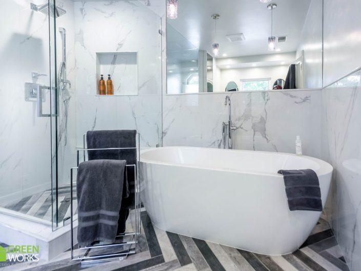 WINSTON RESIDENCE – MASTER BATHROOM