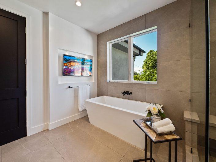 22945 Mariano – Bathroom Remodel